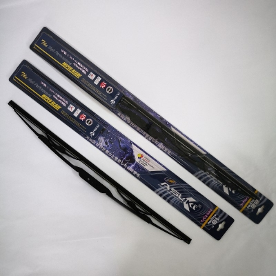 "Asuki High Performance Wiper Blade Set:  19"" (475mm) + 22"" (550mm). U Hook. Suitable for Ford Focus I '98-'05; Toyota RAV4 '01-05."